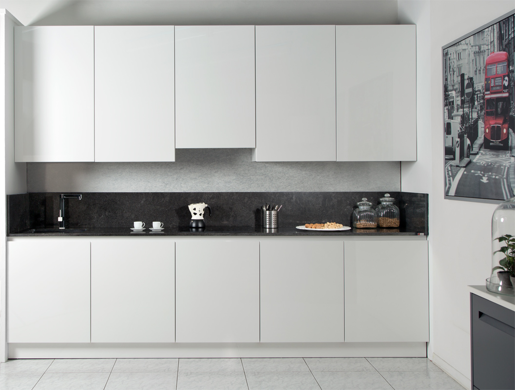 Cucina Moderna Bianca Laccata cucine moderne brescia – cucine con isola