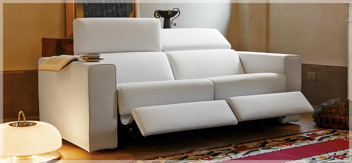 Divano letto reclinabile design casa creativa e mobili - Divani colorati ...